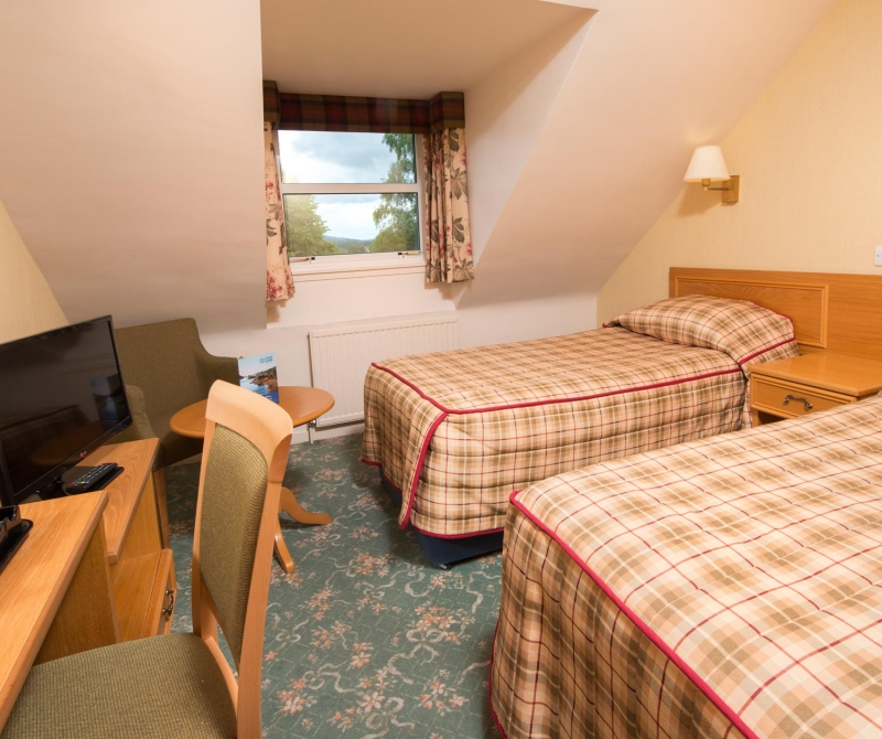 Spacious double rooms with Lochs & Glens Coach tours