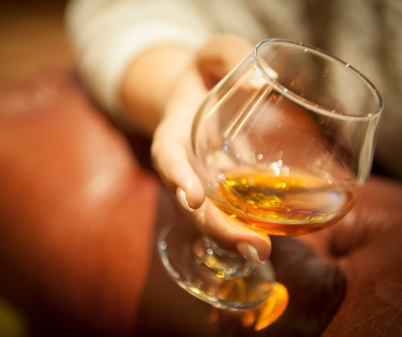 Drink fine whiskies when you enjoy a Lochs & Glens coach holiday